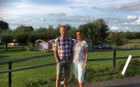 Uw gastvrouw Patricia en haar rechterhand Johan