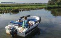 onze motorboot is te huur